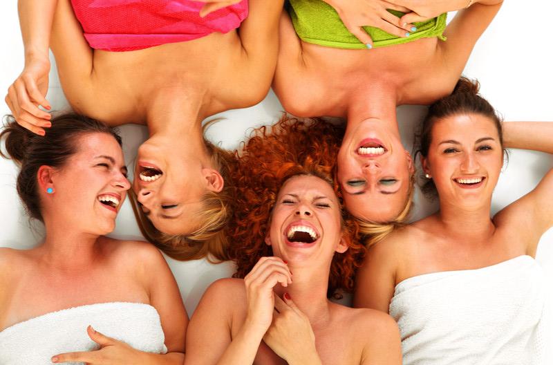 Frauen unterstützen Frauen – sehnst du dich nach Wertschätzung und Unterstützung auf weibliche Art?
